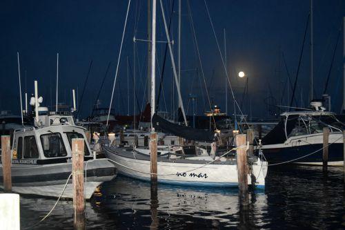 Super moon at Cambridge Marina.