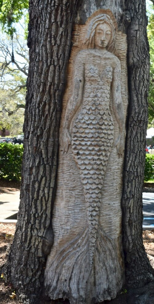 Review of 2018 on Meander (mermaid figure carved into tree)